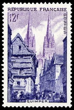02 979 12 06 1954 quimper la rue kereon et la cathedrale st corentin