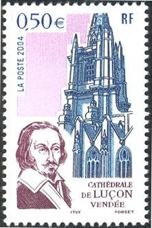 158 3712 02 10 2004 cathedrale de lucon 1